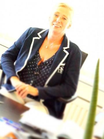 Dr. Andrea Henke